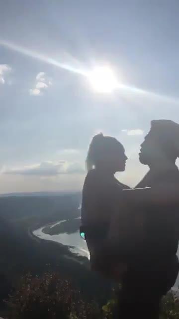 Jovenes teniendo sexo a Orillas del Amazonas