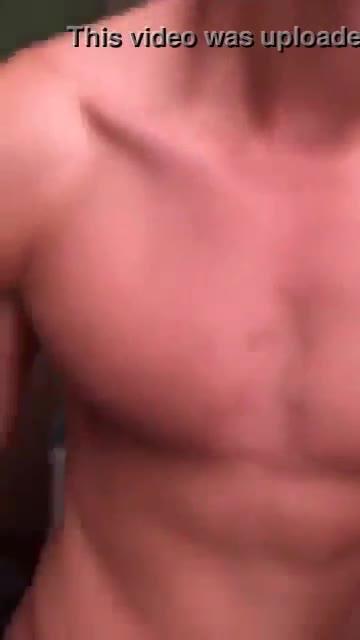 Matt cornett actor video porno mostrando su pene en vivo OMG