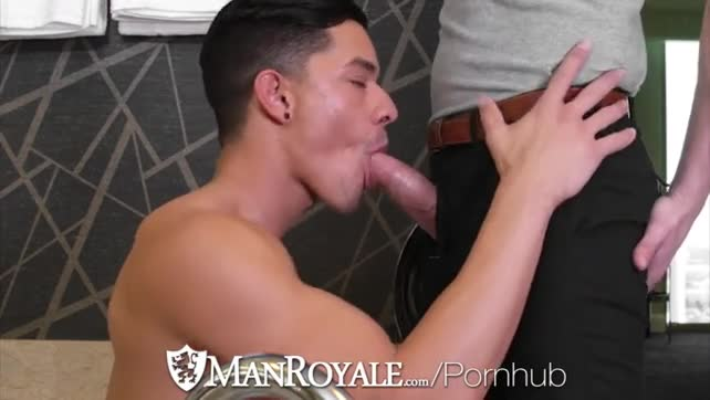 MANROYALE AFTER WORK BLOWJOB