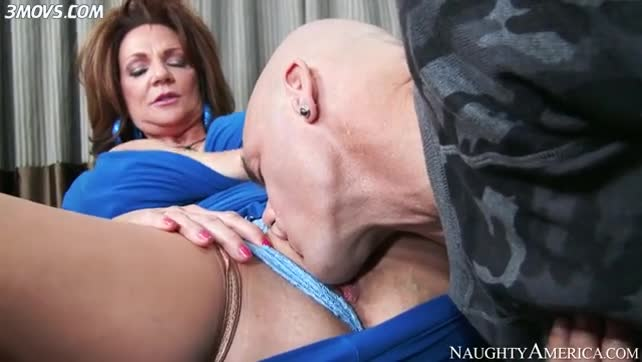 Deauxma gives him a taste of her pink MI