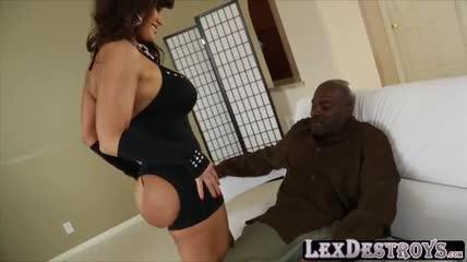Lisa Ann videos porno de maduras teniendo sexo anal
