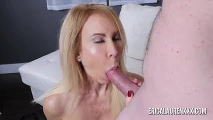 Vieja Mature Erica Lauren 50yo teniendo sexo con otro viejo de su edad