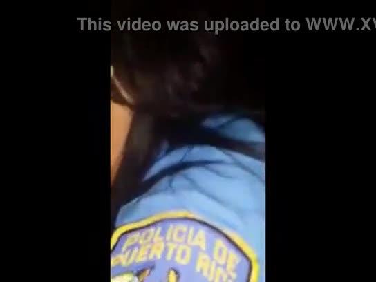 Policia boricua mamando guebo como campeona