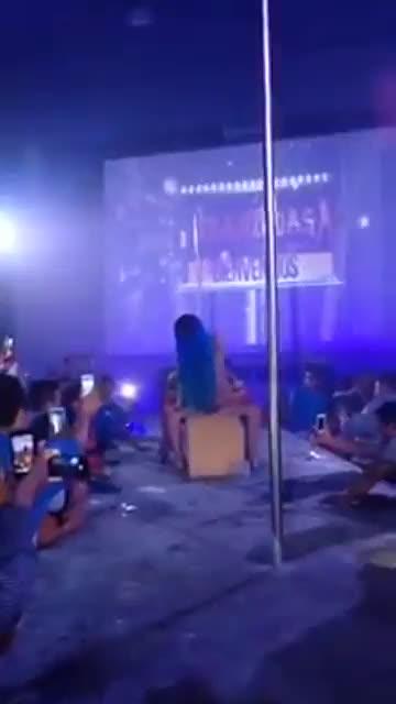 Luna Bella bailando y cogiendo en CHONGO - Guayaquil